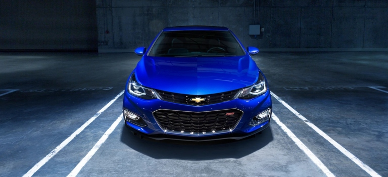 2018 Chevy Cruze blue front view