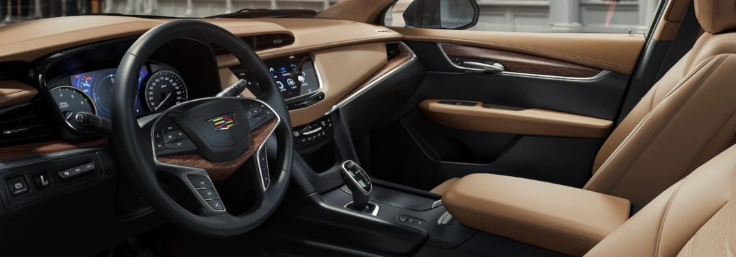 2019 Cadillac XT5 Platinum tan leather interior view