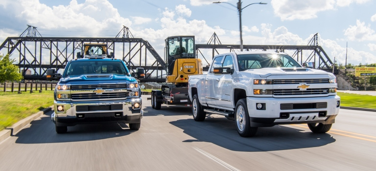 2019 Chevy Silverado models towing front view