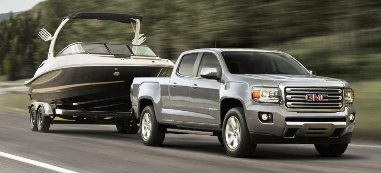 How much can the 2019 GMC Canyon tow?