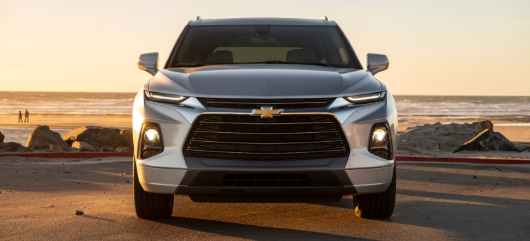 2019 Chevy Blazer silver front view with grille