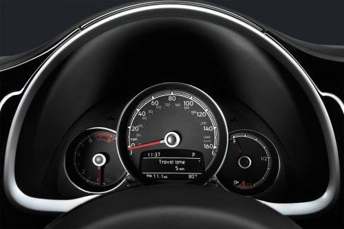Retro-inspired gauges in the 2018 Volkswagen Beetle