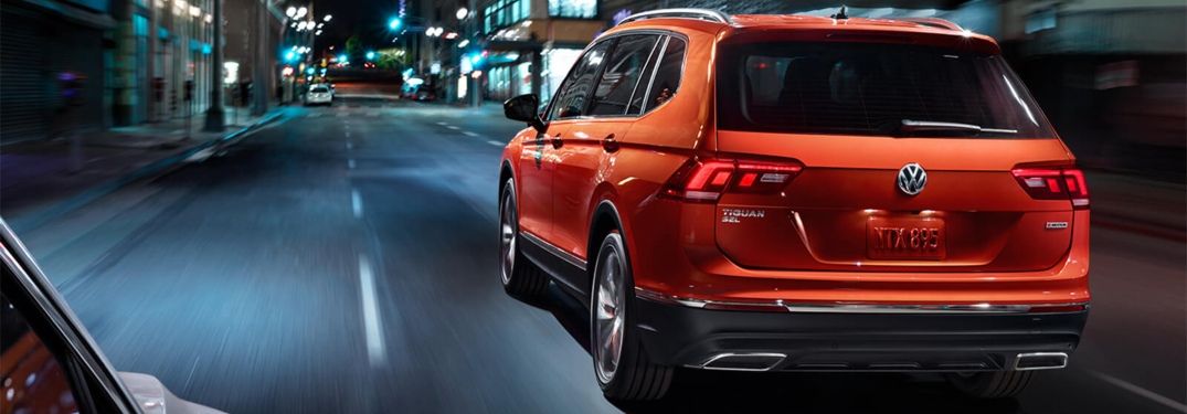 2019 Volkswagen Tiguan red back view at night