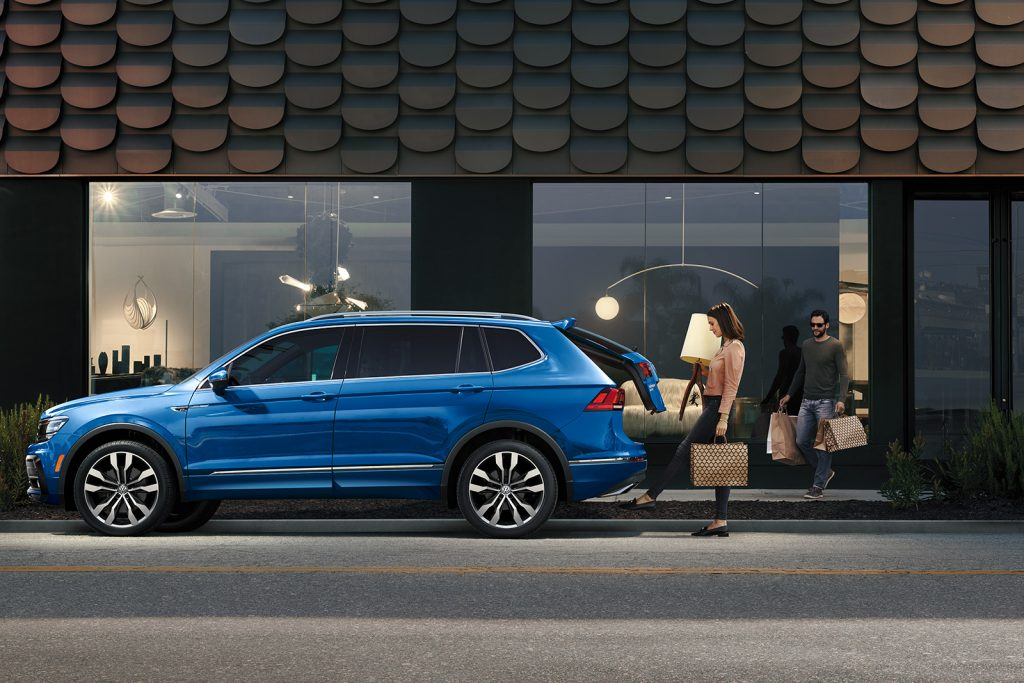 Side view of a 2020 VW Tiguan beneath honeycomb shingles