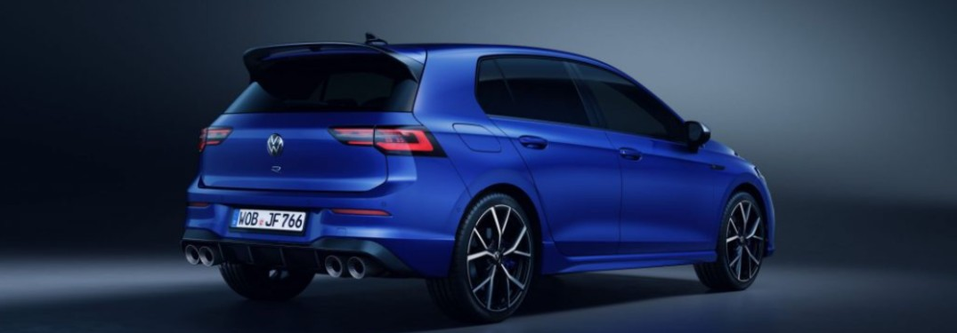 Can I get a manual transmission in the 2022 Volkswagen Golf R?