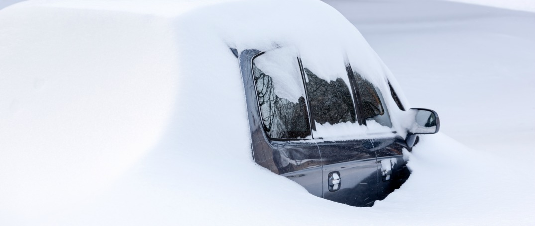 How to prepare a winter survival kit for your car
