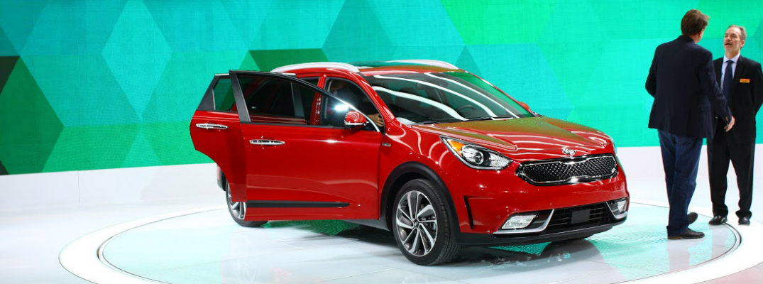 Unveiling of 2017 Kia Niro HUV Reveals a Sleek and Sporty Hybrid