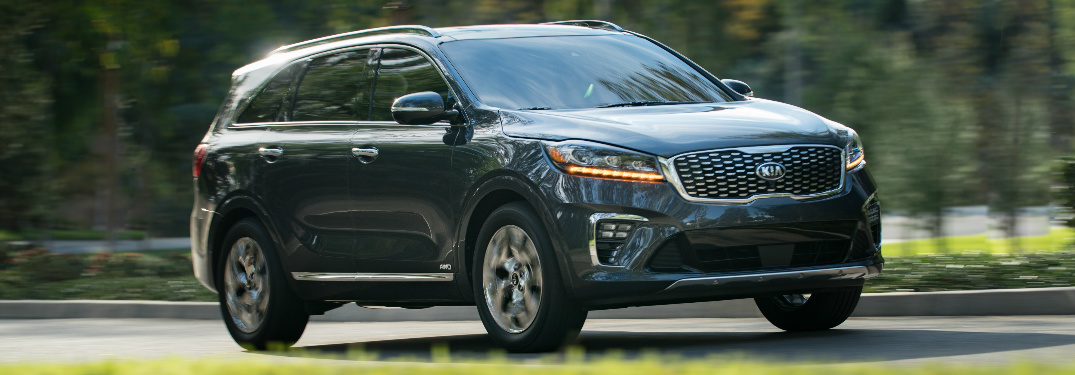 2019 Kia Sorento Driving by a Grassy Area