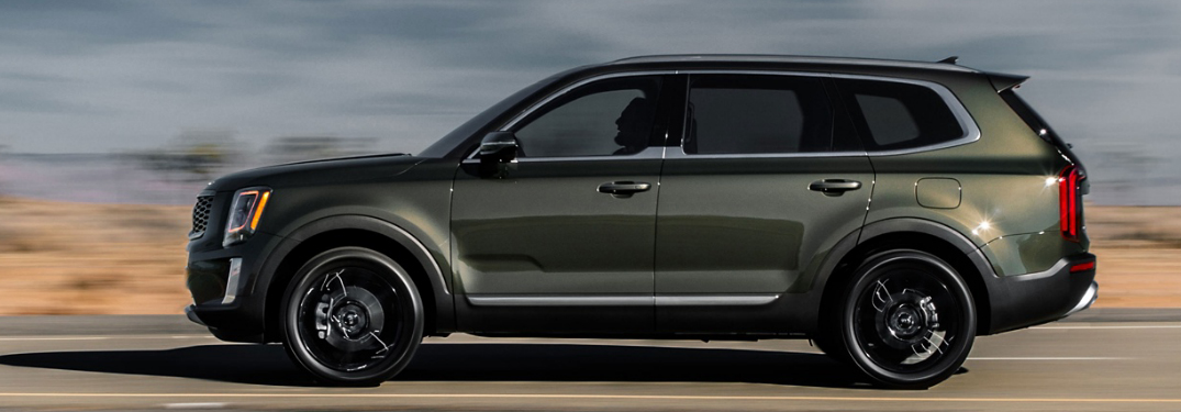 Side view of grey 2020 Kia Telluride