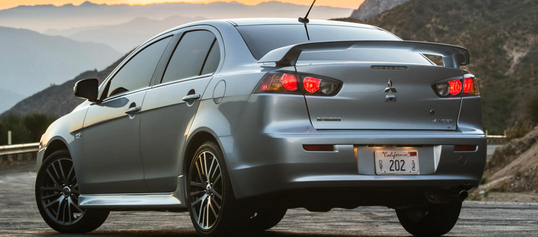 2016 mitsubishi lancer interior features
