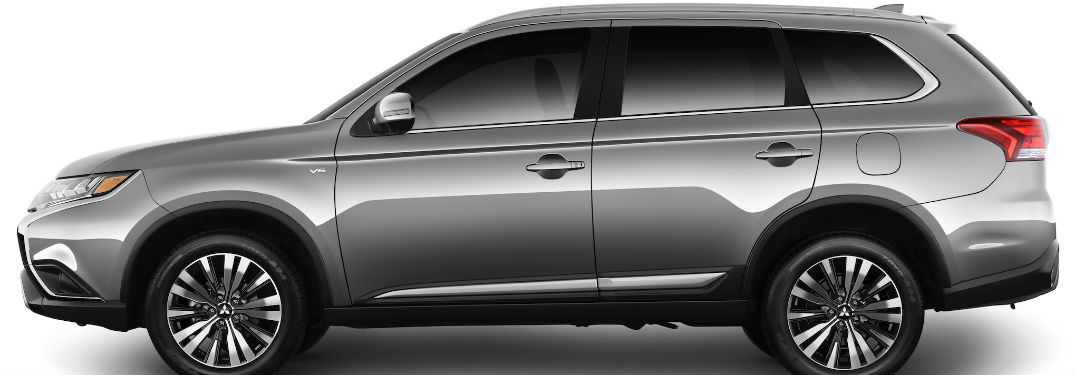 side view of a silver 2019 Mitsubishi Outlander