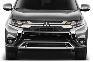 front view of a silver 2019 Mitsubishi Outlander