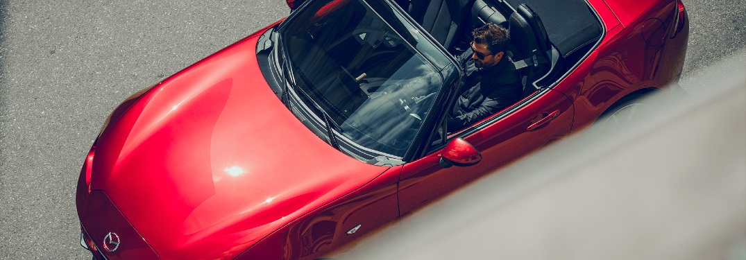 What's the difference between a retractable roof and a traditional convertible?