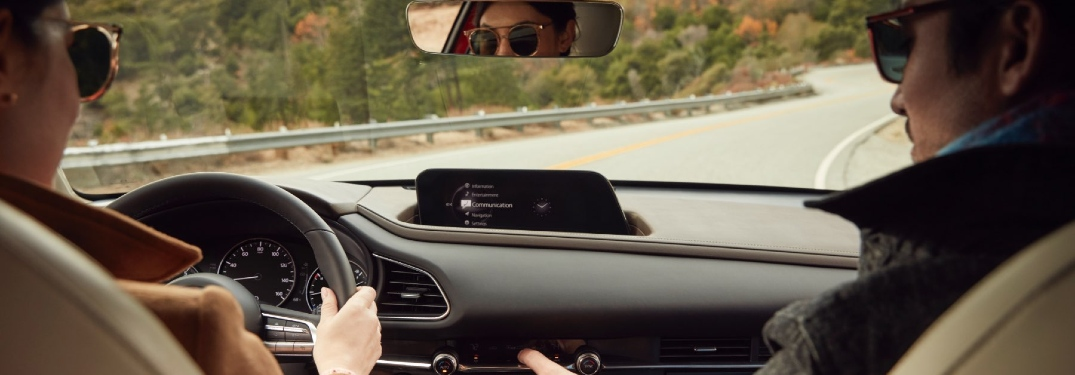 Which 2021 Mazda vehicles have touchscreens?