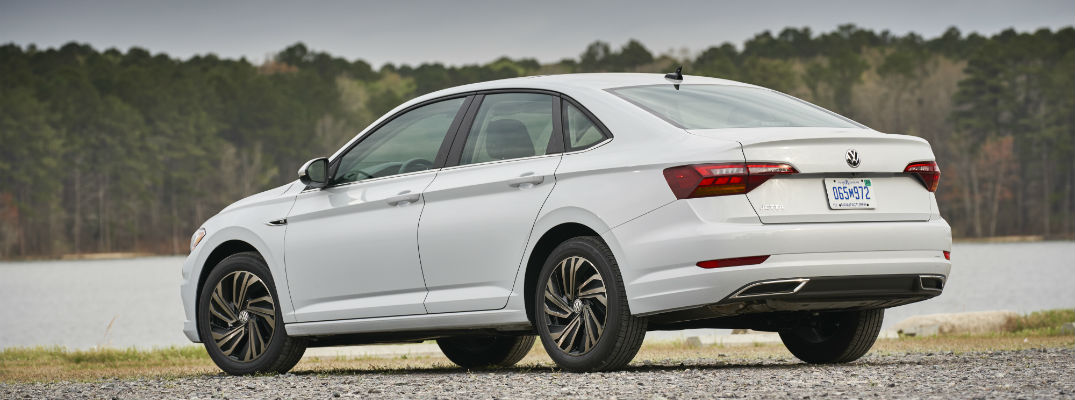 How far can you go with a full tank of gas in the 2019 Jetta?