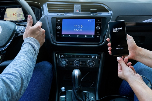 2020 Tiguan infotainment connected to smartphone