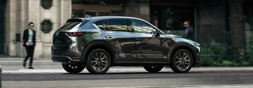 What kind of engine does the 2020 Mazda CX-5 have?