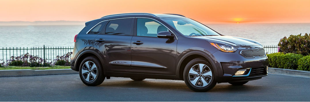 availability and specs of the 2018 kia niro plug in hybrid. Black Bedroom Furniture Sets. Home Design Ideas