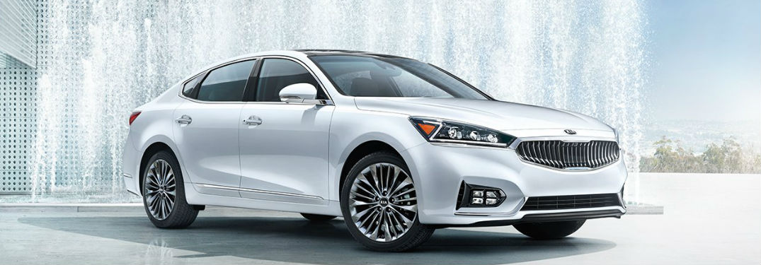 2018 Kia Cadenza parked showing front and side profile