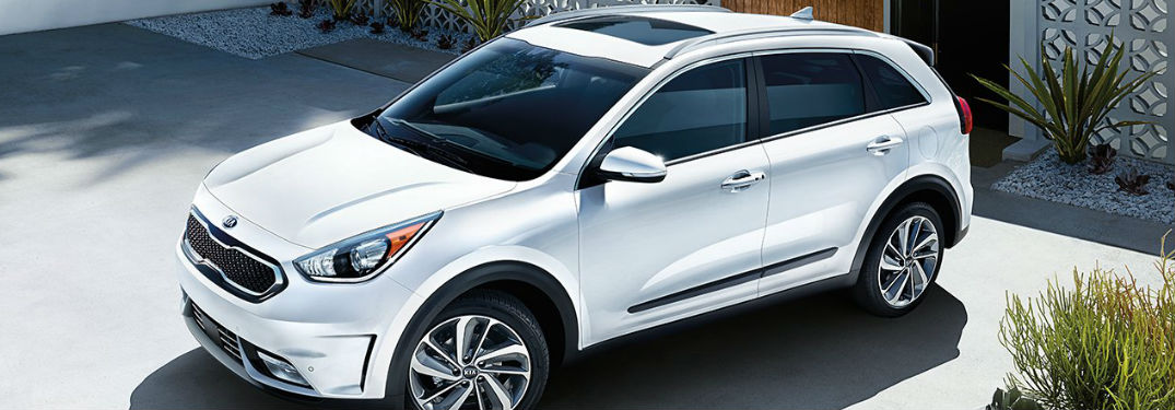 2018 kia niro passenger and cargo space. Black Bedroom Furniture Sets. Home Design Ideas