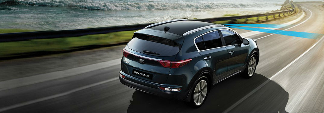 Technology features and comfort options fill interior of 2018 Kia ...
