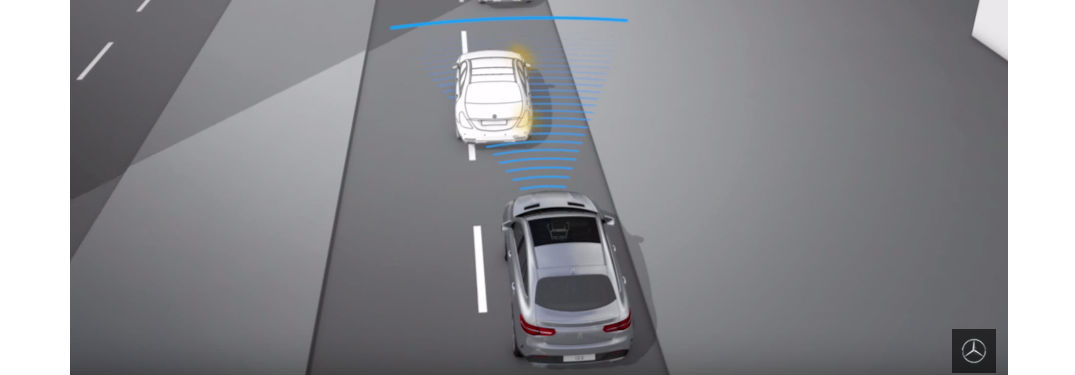 How Does the Mercedes-Benz DISTRONIC PLUS Feature Work?