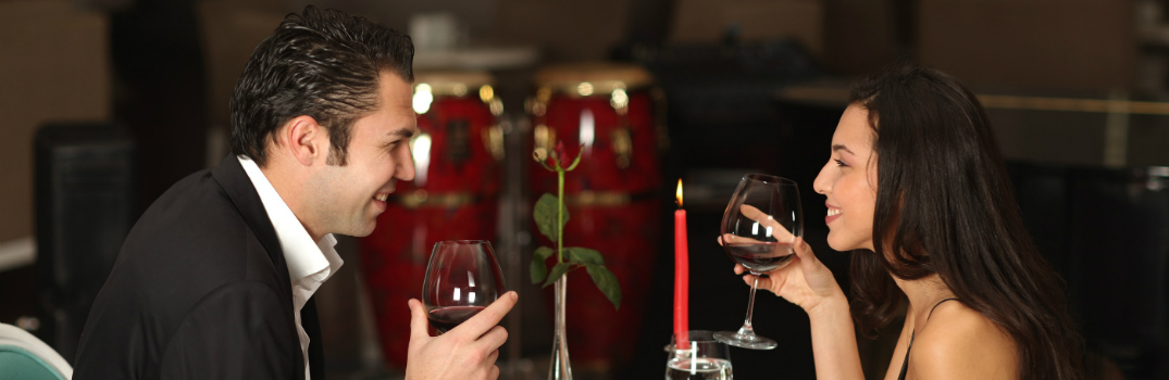 couple dining for valentine's day