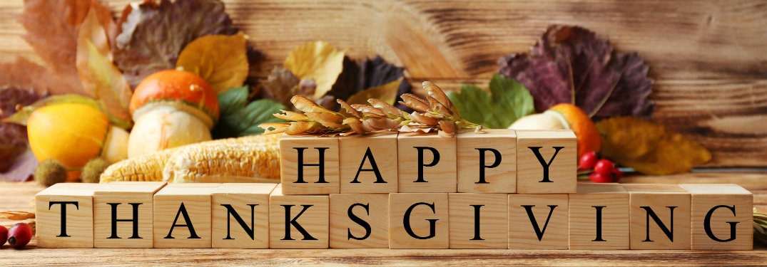 Blocks-that-are-arranged-to-say-Happy-Thanksgiving