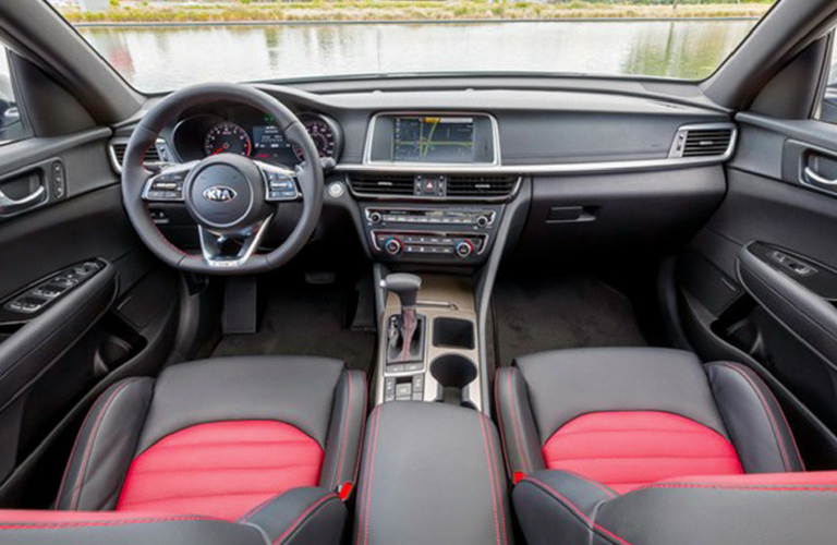 2019 Kia Optima dash and wheel