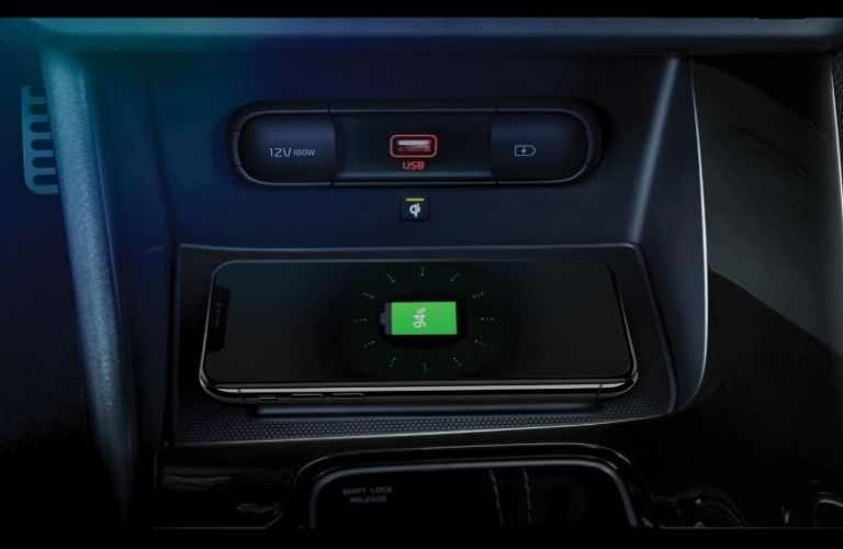2020 Kia Niro wireless charging view