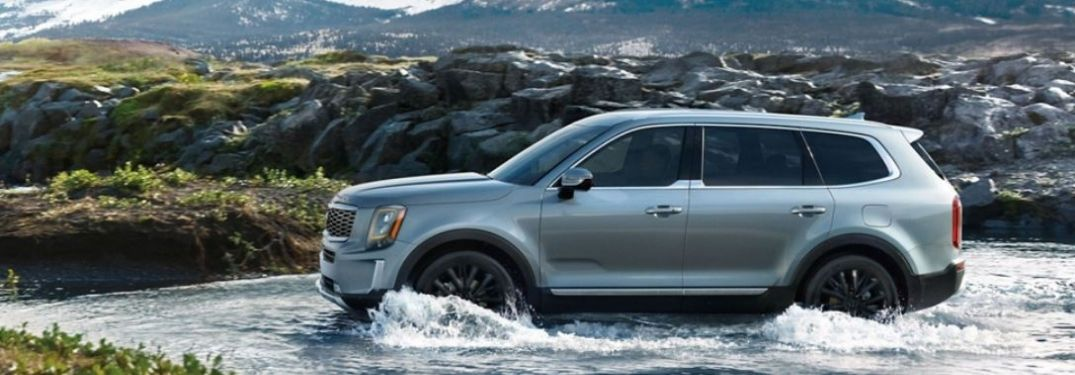 2021 Kia Telluride driving in water