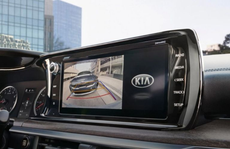 2021 Kia K5 rearview camera display with park assist