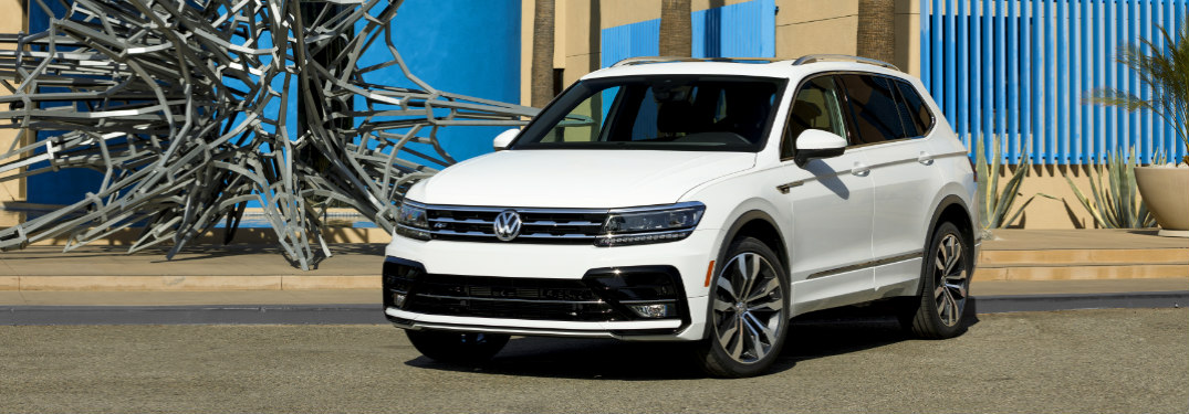 2018 volkswagen tiguan r line package features. Black Bedroom Furniture Sets. Home Design Ideas