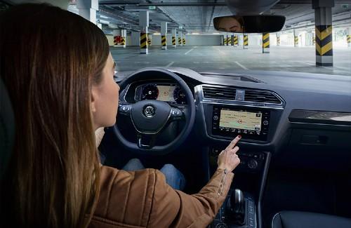 2020 VW Tiguan interior navigation on digital cockpit and touchscreen display