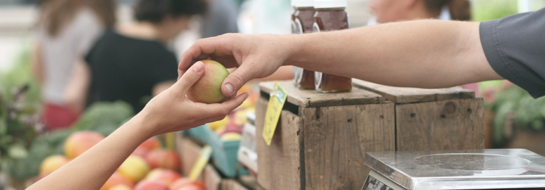 Get Fresh Food While Supporting Local Farmers and Businesses