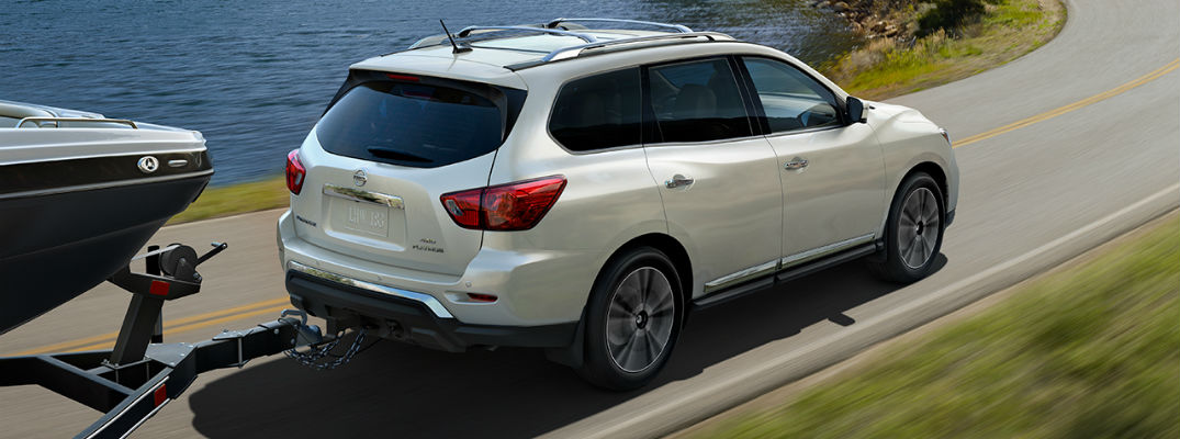 2017 Pathfinder in White