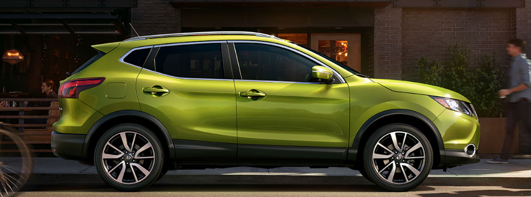2017 Nissan Rogue Sport in Green