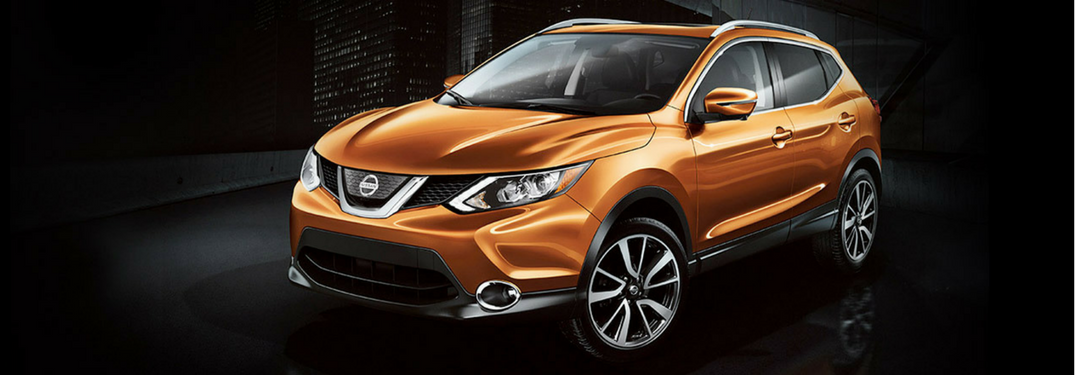 2017 Nissan Rogue Sprt in orange