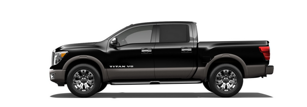 2018 Nissan Titan V8 in black