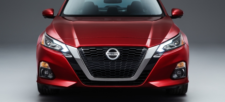 2019 Nissan Altima front view red