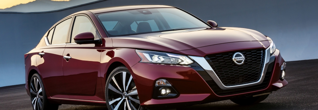 2019 Nissan Altima side view red