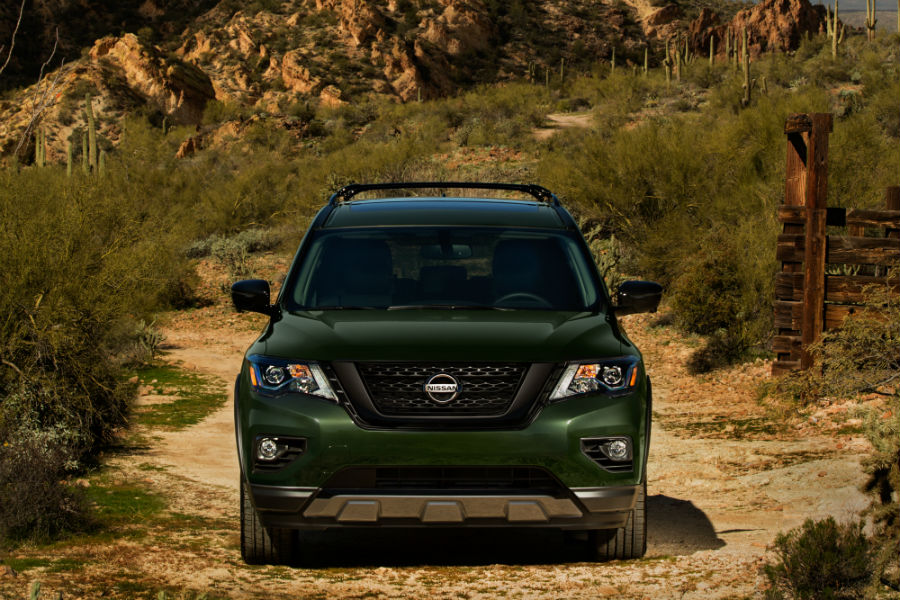 A head-on photo of the 2020 Nissan Pathfinder Rock Creek Edition.