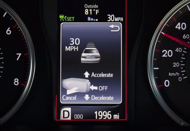 How to set the cruise control in your Toyota