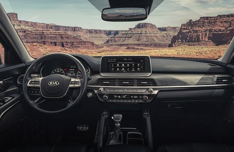 2022 Kia Telluride steering console with mountain view