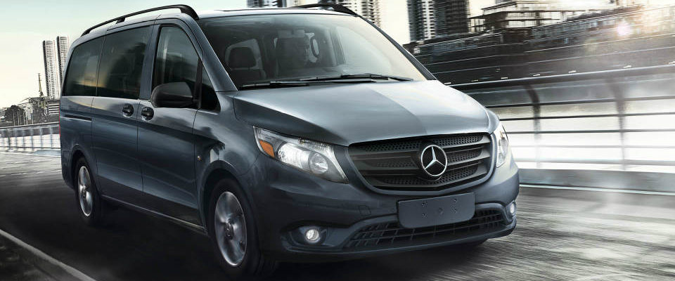 2017 Mercedes-Benz Metris Passenger Van in Blue