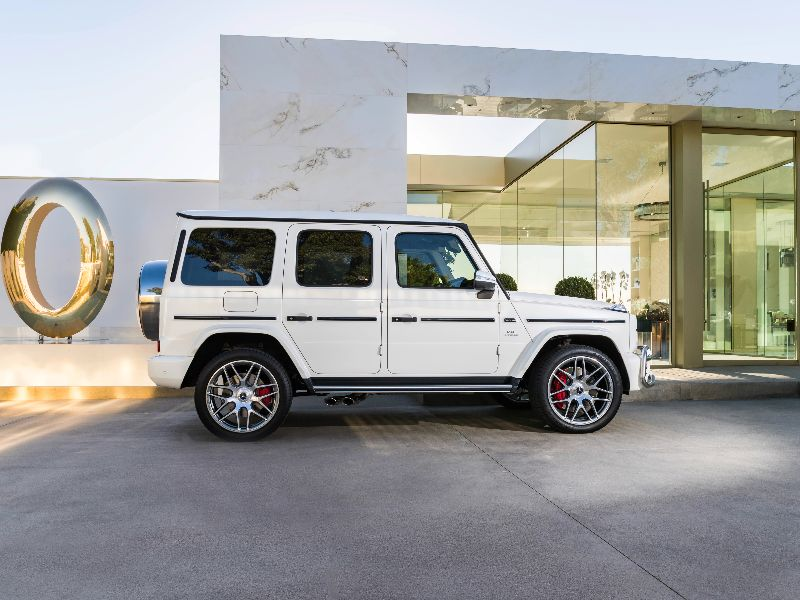 2019 mercedes-amg g63 side view