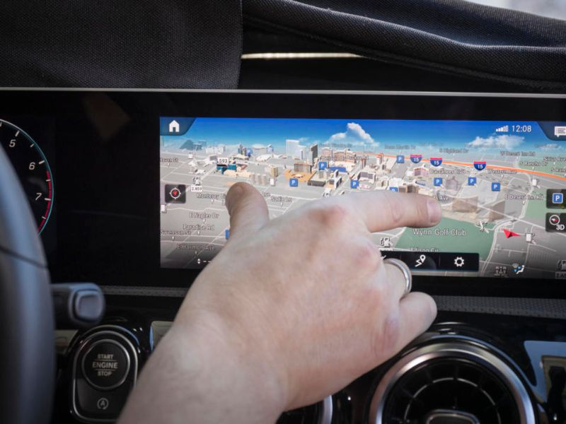 mercedes-benz mbux pink and zoom touchscreen