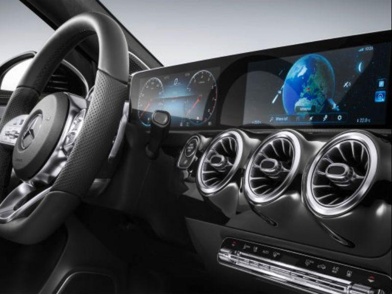 mercedes-benz mbux dual screens