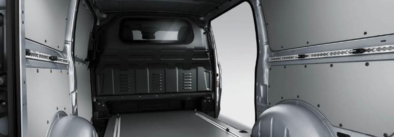Mercedes-Benz Metris Worker Van interior