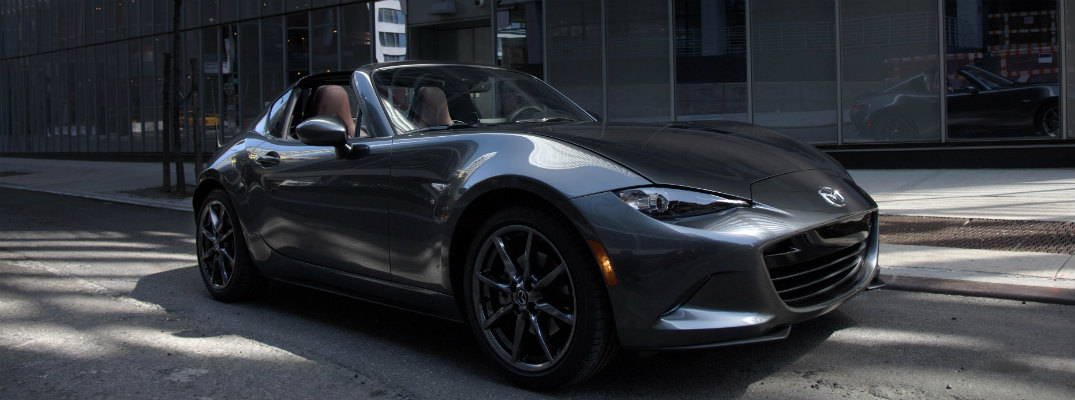 When will the 2017 Mazda MX-5 RF be available in the US?
